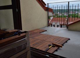 Gumi terasa balkone. Sprendimas kai nėra aukščio daryti karkasui
