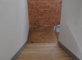 Ąžuolinės grindys. Laiptinės aikštelė